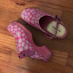 Pink & Gold Clogs